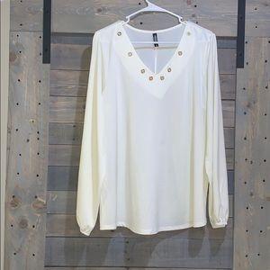 ⭐️Massini Cream Colored Blouse — V-Neck XL